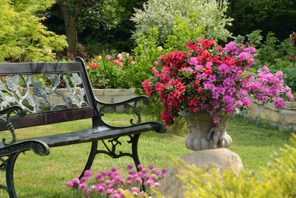 gartenbank metall informationen und tipps f r den kauf. Black Bedroom Furniture Sets. Home Design Ideas